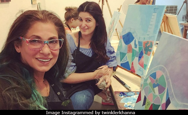 What Dimple Kapadia Told Twinkle Khanna When She Was A 'Plump Nerd'