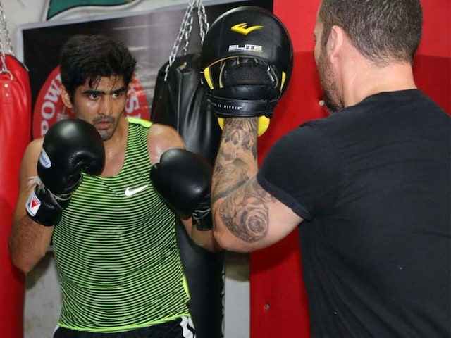 Vijender Singhs Trainer Lee Beard Confident Of Knockout Win In Double Title Defence