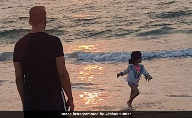 Seen This Pic Of Akshay Kumar And Daughter Nitara On The Beach Yet?