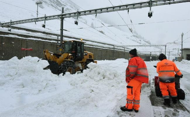 Three Skiers, 2 Hikers Dead As Heavy Snow, Landslides Hit Austria