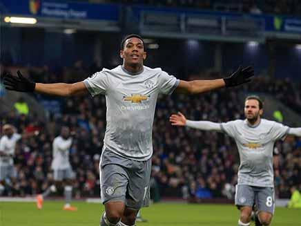 Premier League: Manchester United Edge Burnley, Arsenal Thrash Crystal Palace