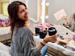 Anushka Sharma Is Back At Work, Starts Shooting For <i>Zero</i> With A Smile. Pic Here