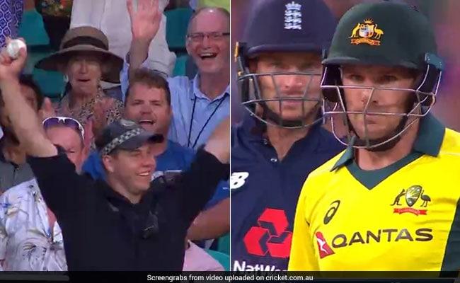 VIDEO: मैच में पुलिसवाले ने पकड़ा ऐसा कैच कि बल्लेबाज से लेकर गेंदबाज भी देखता रह गया