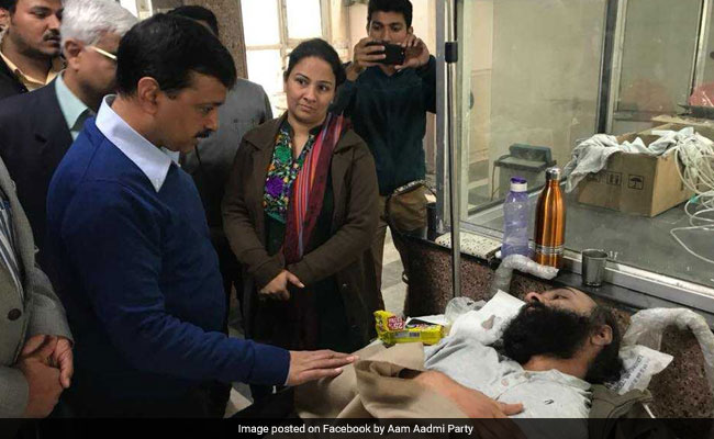 Fill Vacant Posts In Hospital, Arvind Kejriwal 'Pleads' Lieutenant Governor