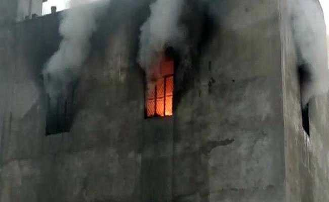 17 Killed In Fire At Plastic Factory In Delhi Some Jumped From Terrace