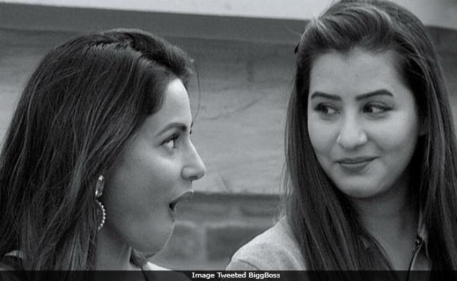 Bigg Boss 11's Hina Khan Won't Appear On Entertainment Ki Raat. No, It's Not Because Of Shilpa Shinde