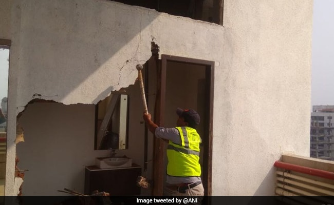 Mumbai Civic Body Demolishes Alleged Illegal Extensions In Shatrughan Sinha's Bungalow