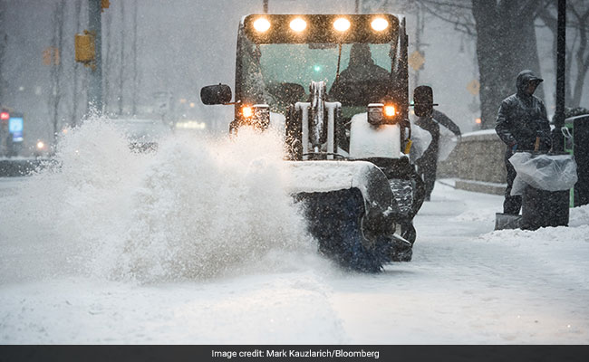 'Bomb Cyclone' Pounds Eastern US With Snow, Thousands Of Flights Grounded