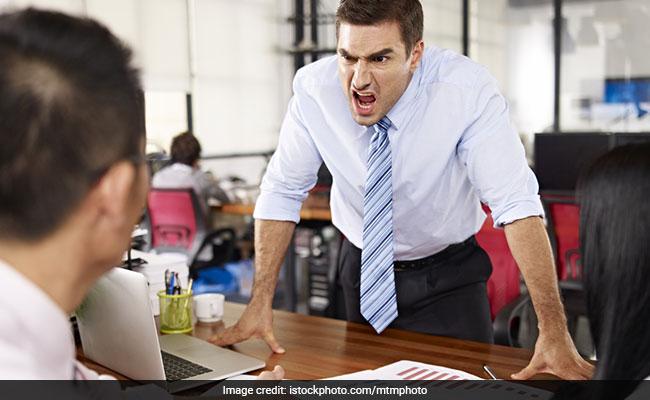 बॉस करता है बार-बार गुस्सा? तो नाराज़ नहीं खुश हो जाइए