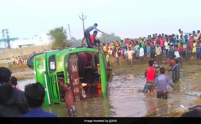 6 Killed, 25 Injured As Bus Falls Into Ditch In West Bengal