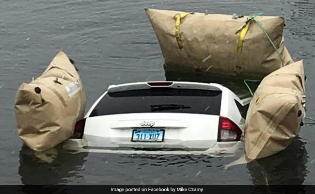 Man Blindly Following GPS Drives Jeep Into Icy Lake