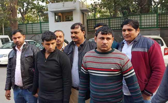 दिल्ली में अवैध कारतूस सप्लाई करने वाले दो बदमाश मुठभेड़ के बाद गिरफ्तार
