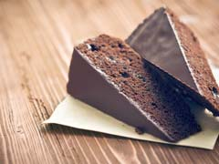 Happy Chocolate Day: How To Make Flourless Biscuit Chocolate Cake