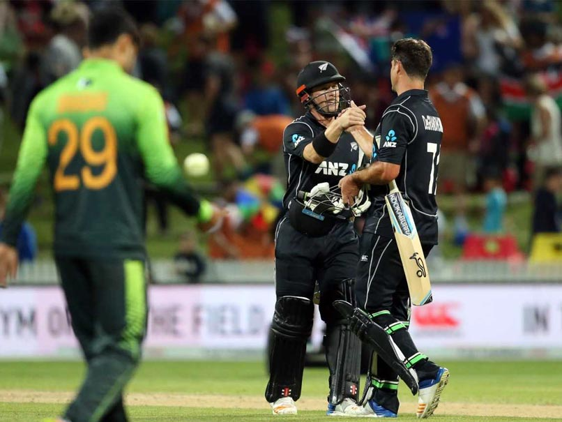 4th ODI: New Zealand Beat Pakistan By Five Wickets