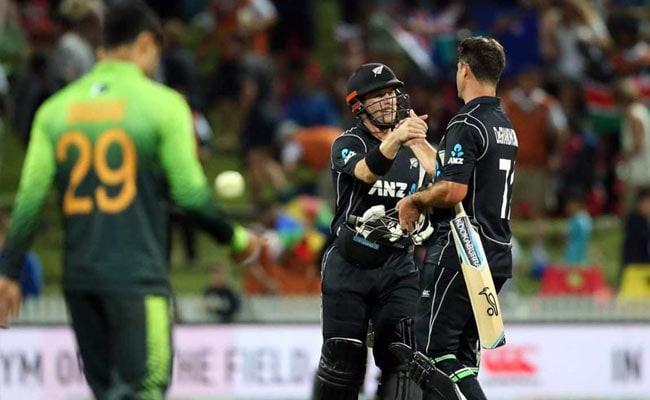 PAK vs NZ: न्यूजीलैंड के कॉलिन डि ग्रैंडहोम की तूफानी पारी, चौथे वनडे मैच में भी हारा पाकिस्तान