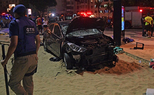 Baby dies after vehicle hits Copacabana Beach crowd