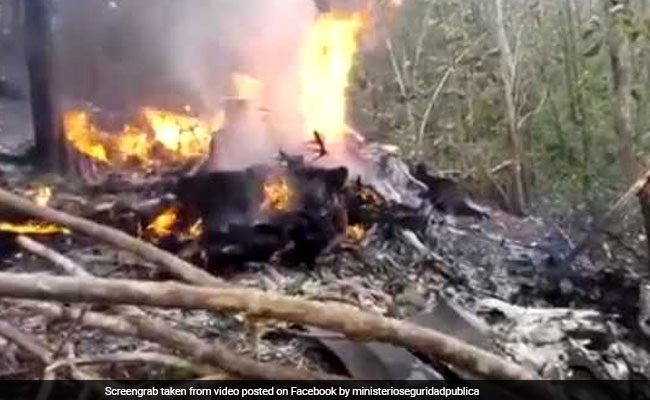 10 Tourists, 2 Pilots Killed As Planes Crashes, Burns In Costa Rica