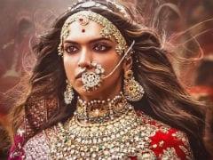 "Deepika Padukone Underlines That ""<i>Padmaavat</i>"" Doesn't 'Endorse <i>Jauhar</i>'"
