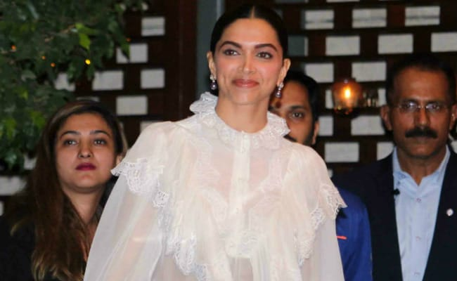 'Deepika Padukone Is Beautiful, Cameras Love Her,' Says Vishal Bhardwaj
