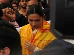 Deepika Padukone Visits Siddhivinayak Temple Ahead Of <I>Padmaavat</i> Release