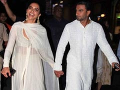 Deepika Padukone Recycled An Anamika Khanna Outfit She Wore 5 Years Ago And We Love It