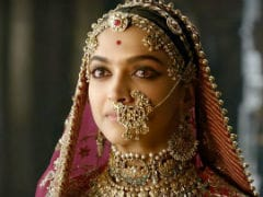 "Deepika Padukone 'Humbled' By ""<i>Padmaavat</i>"" First Day First Show Support On Twitter"