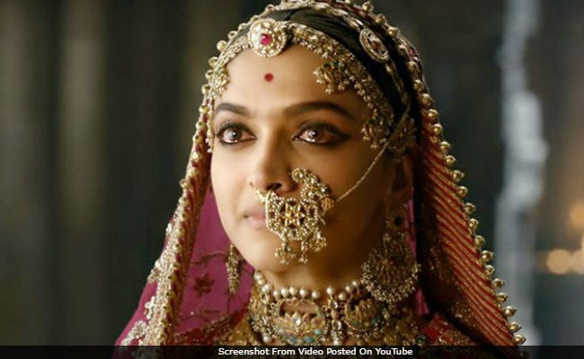 Deepika Padukone 'Humbled' By 'Padmaavat' First Day First Show Support On Twitter