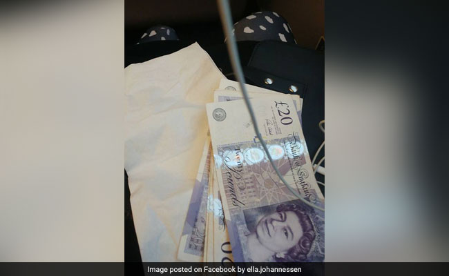 Stranger Overhears Student Talking About Money Problems, Leaves Her Cash