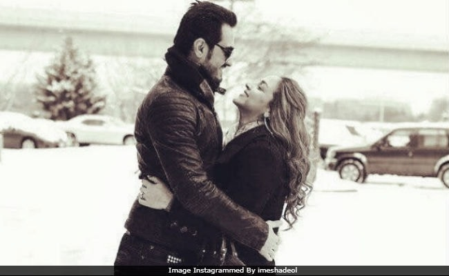 New Mom Esha Deol And Husband Bharat Takhtani In A Romantic Throwback Photo