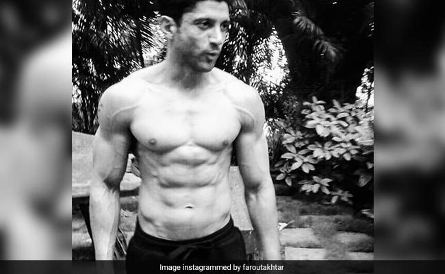 Here's How Farhan Akhtar Acquired A Perfect Lean Body