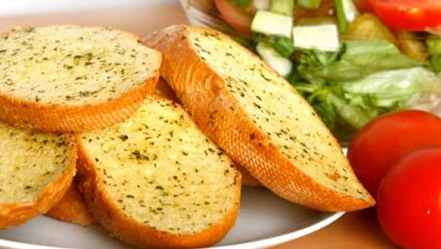 5 Fun And Easy-To-Make Garlic Bread Recipes