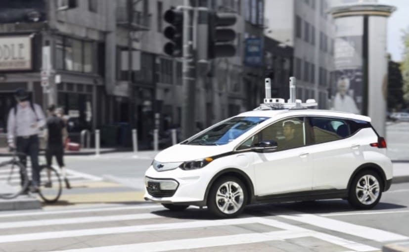 General Motors Shows Self-Driving Car With No Steering Wheel Or Pedals