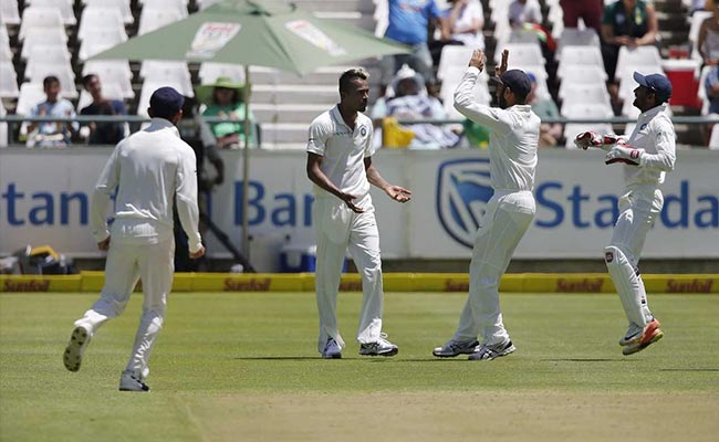 IND vs SA: केपटाउन टेस्ट में दक्षिण अफ्रीका का पलड़ा फिलहाल भारी, 142 रन की हुई बढ़त