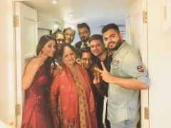 <i>Bigg Boss 11</i>: Hina Khan Shares Pic With Family, Boyfriend Rocky After Grand Finale