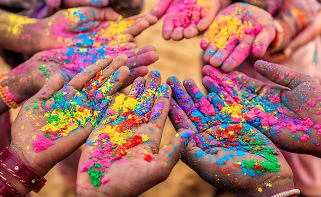 Holi Photo: Holi 2018: What To Eat And Drink During Holi- A Complete Guide