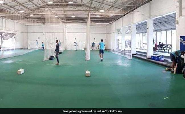 India vs South Africa : न्यूलैंड्स में बारिश के कारण टीम इंडिया ने किया 'इनडोर' अभ्यास, विराट कोहली ने की अगुवाई, देखें तस्वीरें