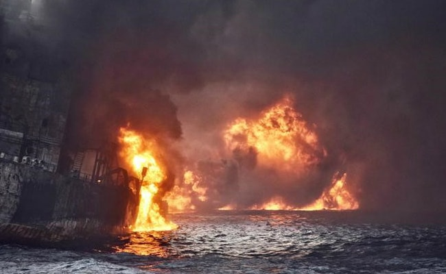 'No hope of survivors' on sinking Iranian oil tanker Sanchi