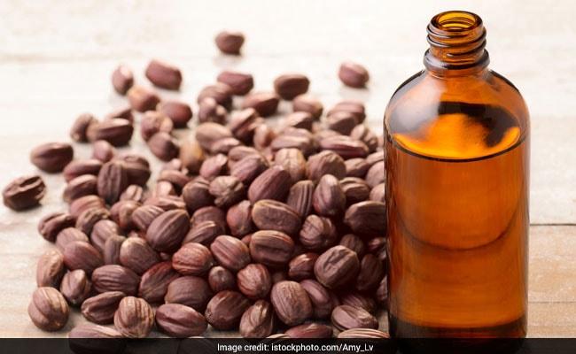 jojoba oil is good for hair growth