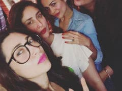 Kareena And Karisma Kapoor's Guide To The Perfect Party Selfie