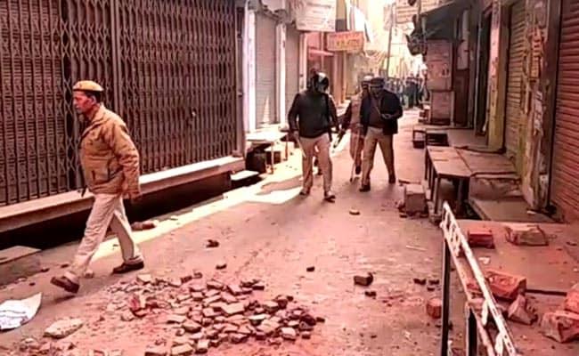 उत्तर प्रदेश : कासगंज में बनी हुई है तनावपूर्ण स्थिति, अब तक 112 लोग गिरफ्तार, ली जा रही है घर-घर की तलाशी