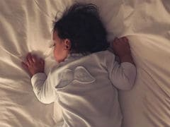 Lisa Haydon Shares An 'Angelic' Pic Of Son Zack. It's Adorable