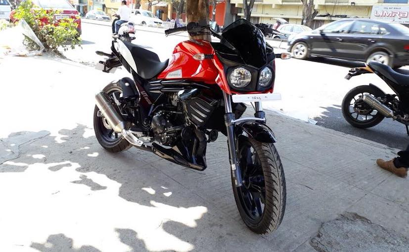 कई डीलर्स से इस बाइक की बुकिंग भी शुरू कर दी और टोकन मनी 5,000 रुपए है