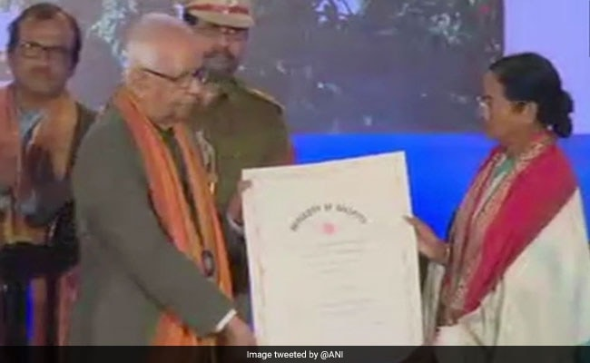At D-Litt Award Ceremony, Emotional Mamata Banerjee Speaks Of 'Insult'