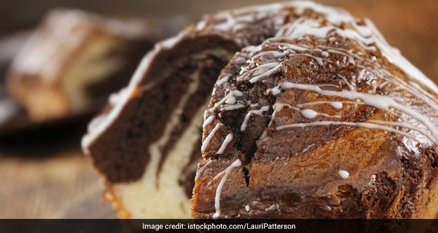 एगलेस मार्बल केक