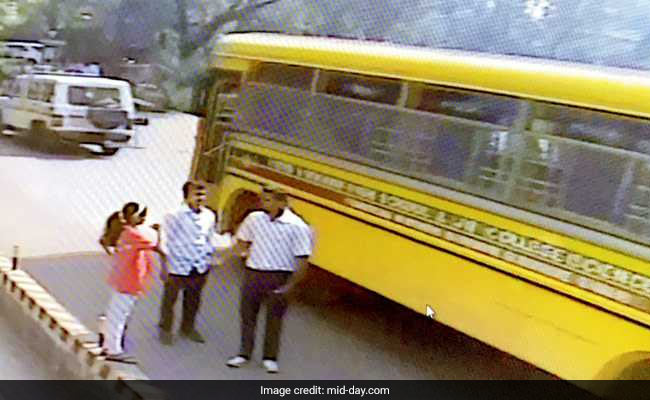 Mumbai Top Cop Helps 700 School Students Get Home During Dalit Protests