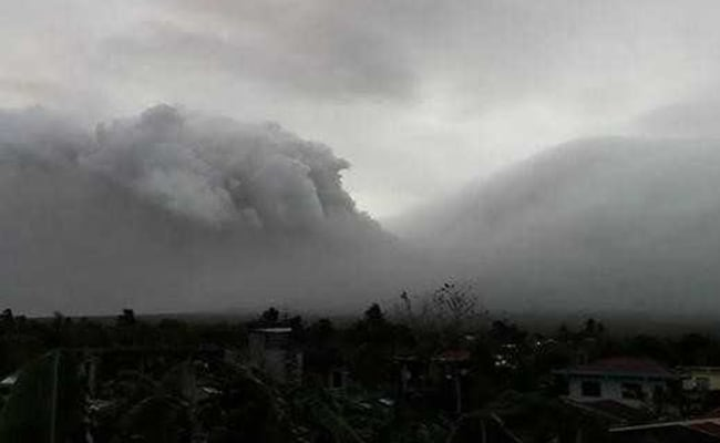 Philippines Says Hazardous Volcano Eruption Possible 'Within Weeks Or Days'