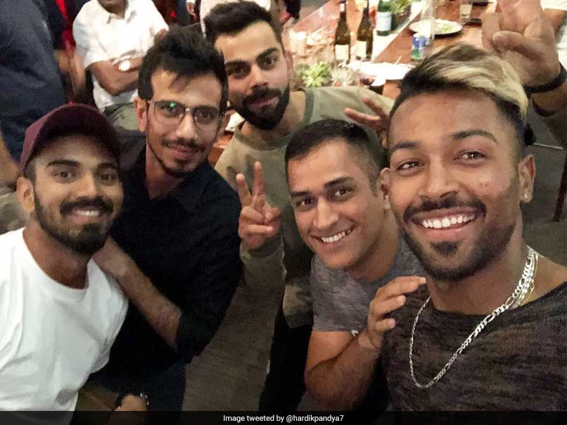 MS Dhoni Parties With Virat Kohli After 3rd Test Win