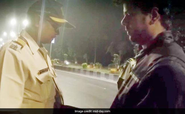 Sting Video That Went Viral On Social Media Exposes Mumbai Cop Taking Bribe From Bikers