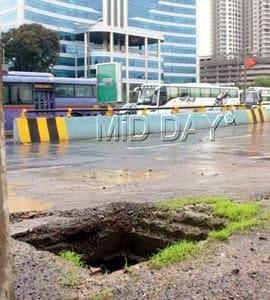 Mumbai Man Burnt To Death, Bike Fell Into Open Manhole, Exploded