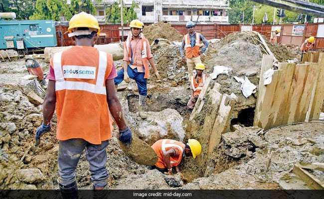 In Mumbai, Live Bomb Found At Metro Site Explodes While Being Defused
